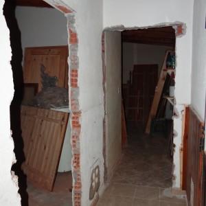 Se desamuraron las puertas antiguas (la apertura de la izquierda quedará bloqueada).