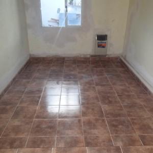 Con el piso colocado (¡sólo falta la pintura!)